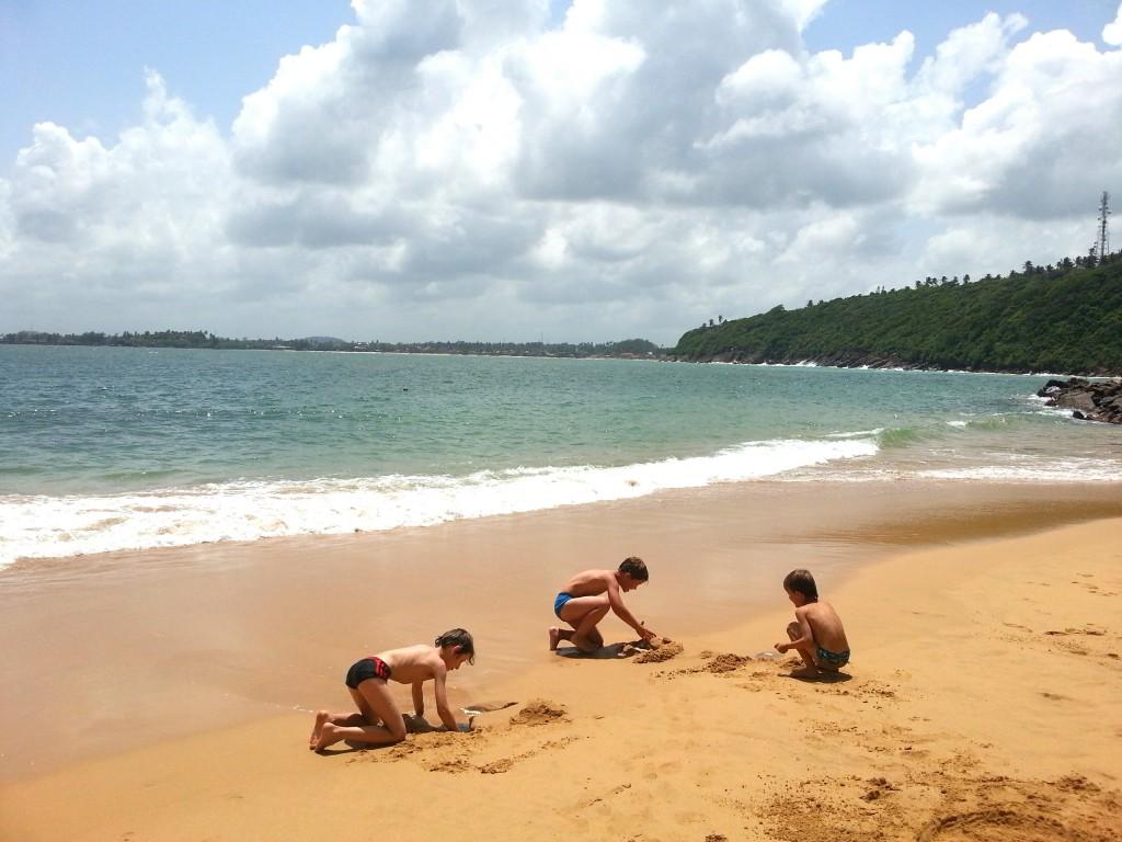Hotel, Aktivitäten und Sehenswürdigkeiten in Unawatuna, Galle - Sri Lanka mit Kind. Reisebericht Sri lanka mit Kind. Galle, Unawatuna. Surfen, Hotels, Preise und Aktivitäten in Sri Lanka
