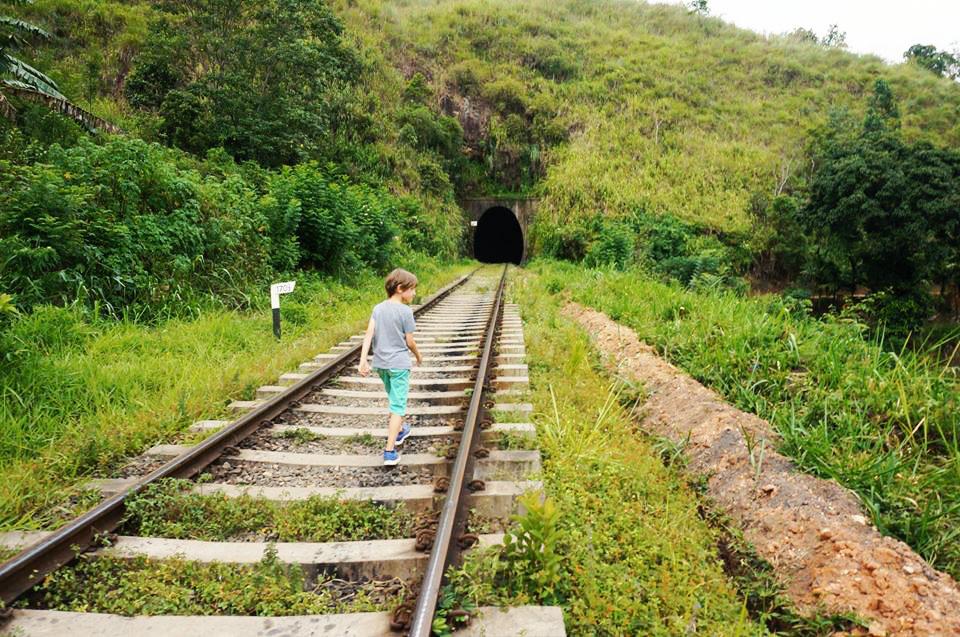 Little Adams Peak Ella Sri Lanka, Sri Lanka mit Kindern, Indivudualreise Sri Lanka auf eigene Faust, Zugfahren Sri Lanka Schienenwandern