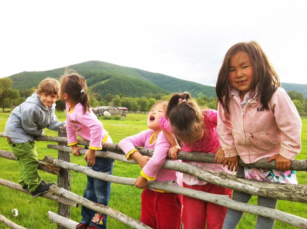 Erik in der Mongolei, Reisen mit Kindern