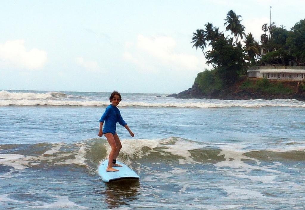 Sri Lanka - der erste Wellenritt, allein reisen mit Kind