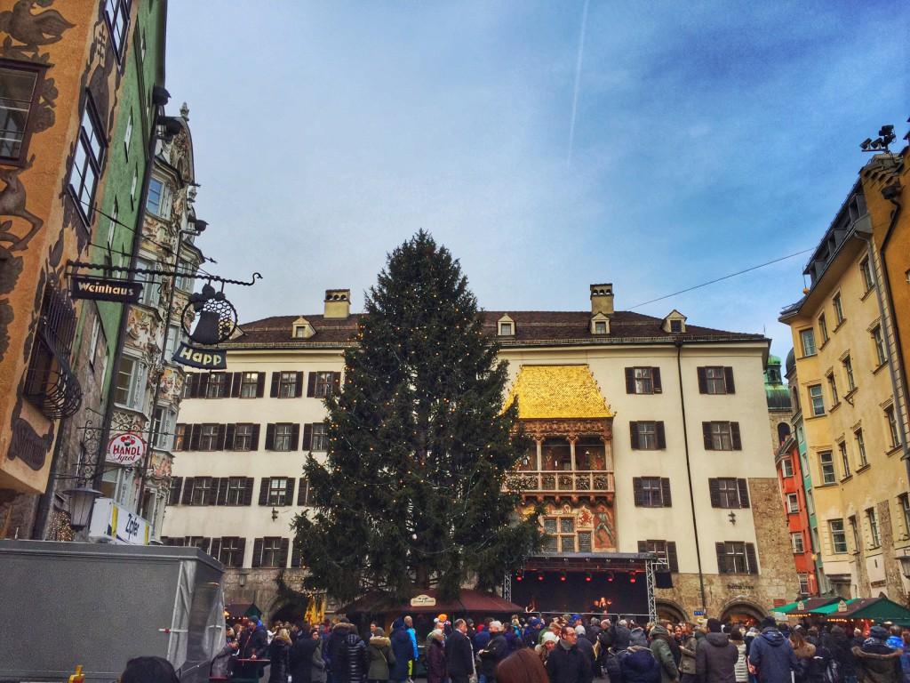 Innsbruck, das goldene Dach und Weihnachtsbaum