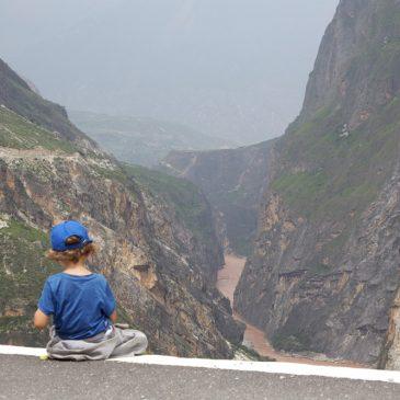 Reisen bildet – 7 wichtige Gründe für eine Fernreise mit Kind