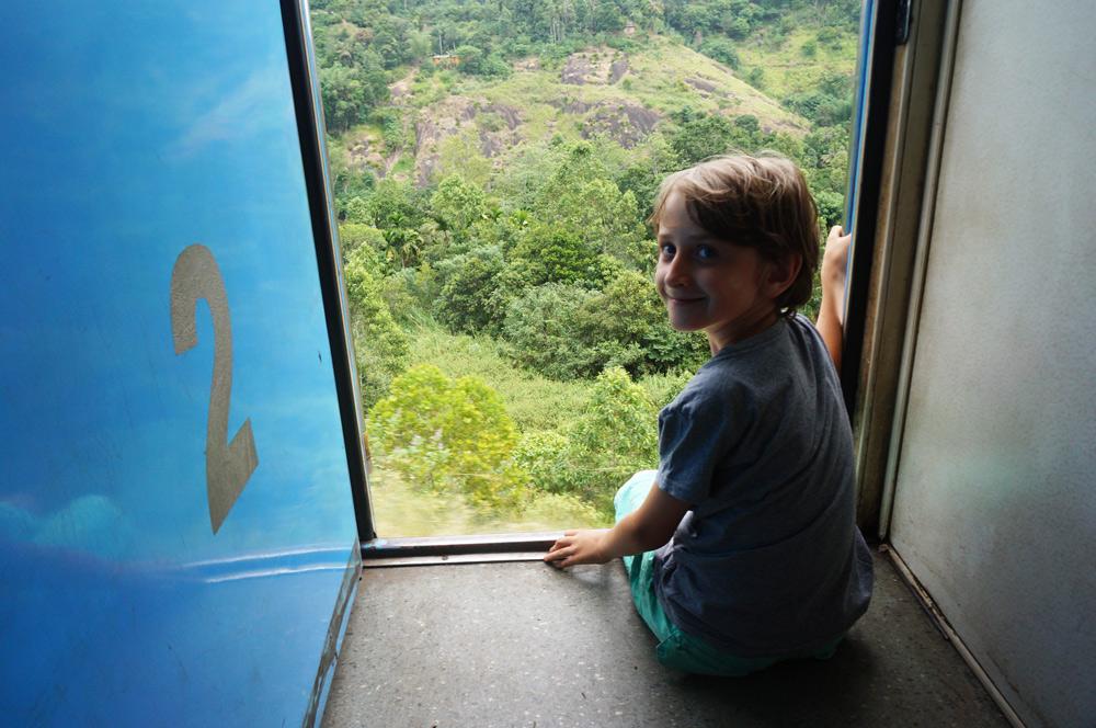 Sri Lanka Zug mit Kind, Fernreise mit Kind, allein reisen mit Kind