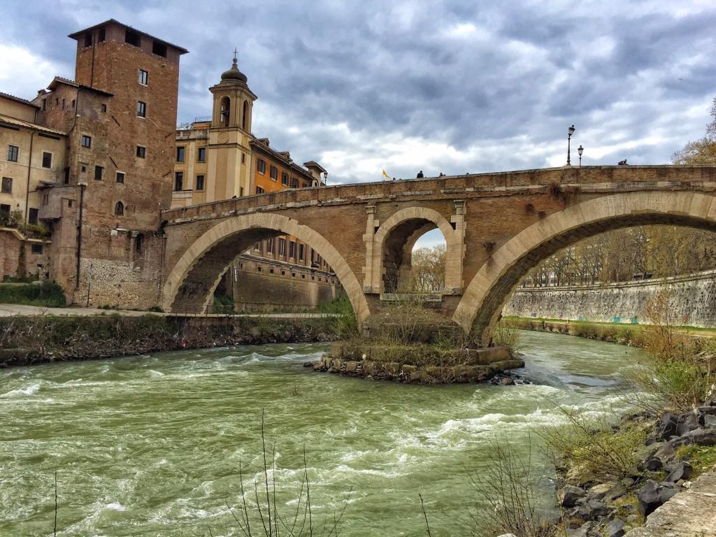 Rom mit Kind Rom Fluss