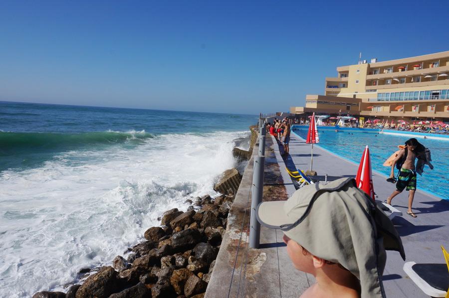 Surfen und Yoga mit Portugal mit Kind