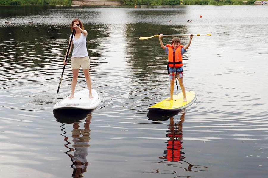 Düsseldorf mit Kindern Ausflugstipps in Düsseldorf Unterbrachen See SUP