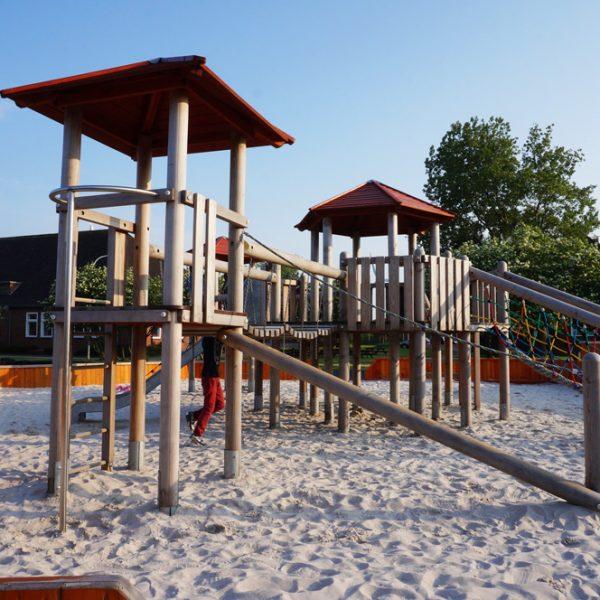 Jugendherberge Borkum Spielplatz, Kurzurlaub mit Kindern in Deutschland günstig