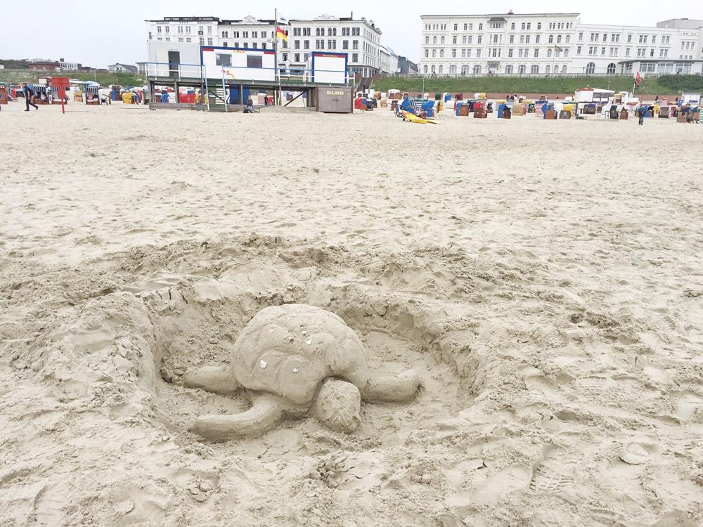 Borkum Strand Urlaub mit Kind, Kurzurlaub mit Kindern in Deutschland günstig,  Nordsee Urlaub mit Kindern günstig, Borkum Jugendherberge