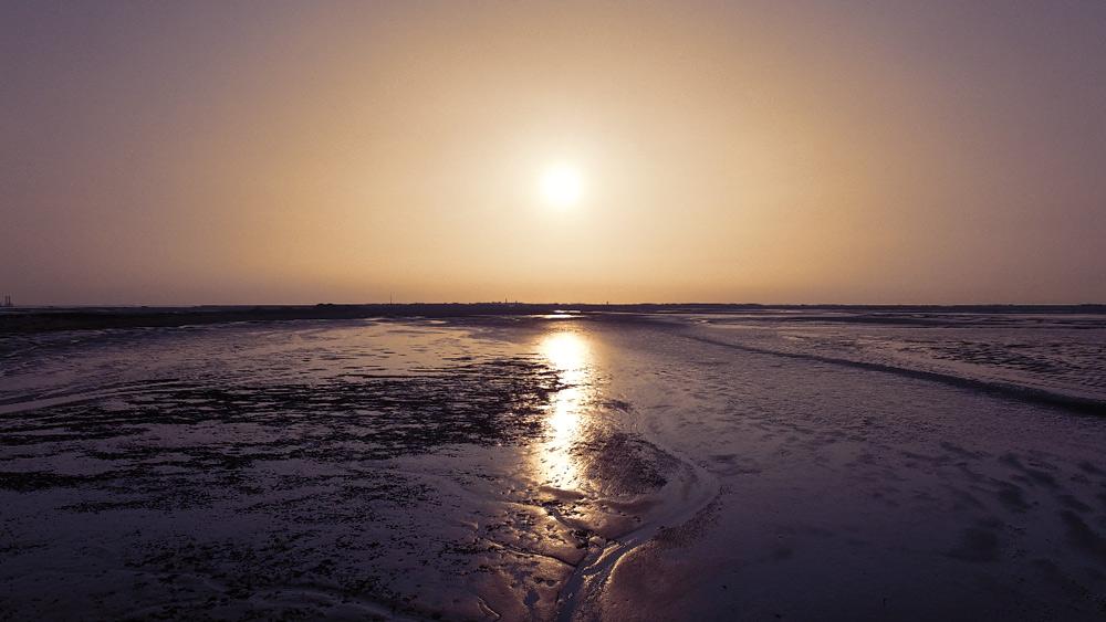 Sonnenuntergang-Borkum-Wattenmeer, Kurzurlaub mit Kindern in Deutschland günstig, Nordsee Urlaub mit Kindern günstig