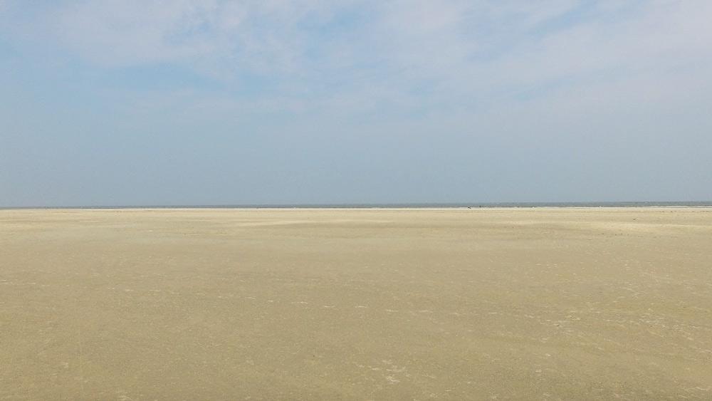 Borkum Strand von oben aus der Drohne, Kurzurlaub mit Kindern in Deutschland günstig,  Nordsee Urlaub mit Kindern günstig