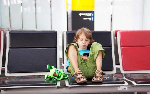 Reisespiele für Kinder für Unterwegs Fliegen mit Kindern