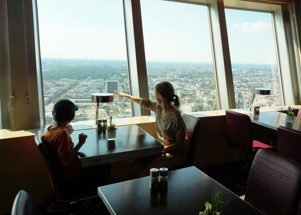Top10 Berlin Wochenende Berlin mit Kind Restaurant mit Aussicht