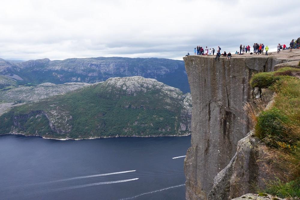 Stavanger auf eigene Faust Preikestolen wandern Lesefjord