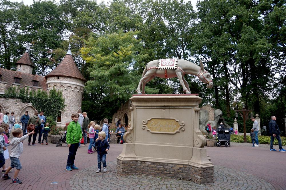 Efteling Märchenwald, Efteling mit Übernachtung, Esel