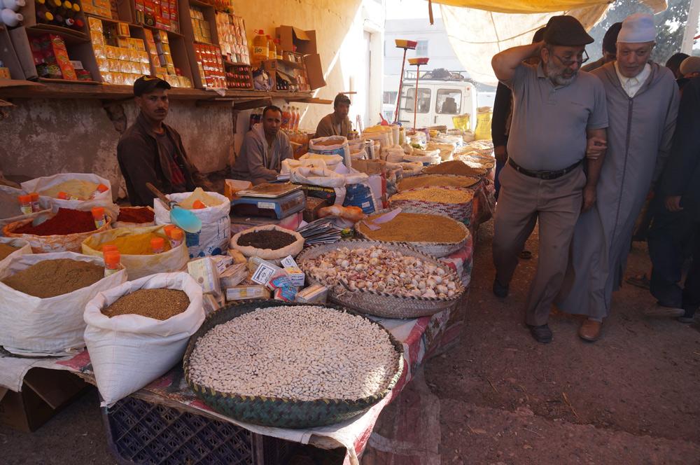 Berber Markt Marokko mit Kind