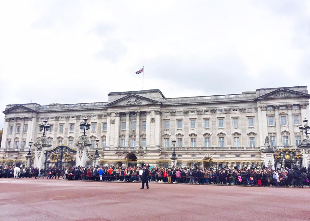 Kurztrip Wochenende London mit Kindern Tipps Sehenswürdigkeiten, Buckingham Palace,