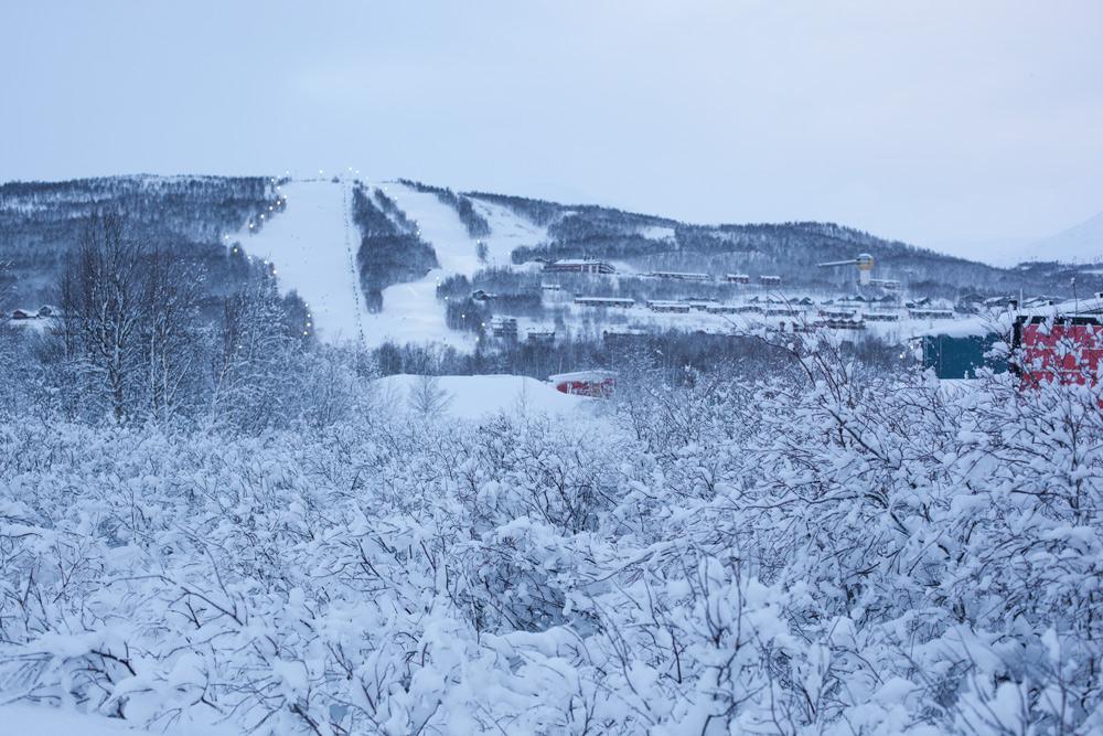 Skiurlaub in Schweden mit Kind Skigebiet Hemavan Tärnaby Pisten Übernachten Kosten Langlauf. Sonne, Schnee, Kälte im Dezember