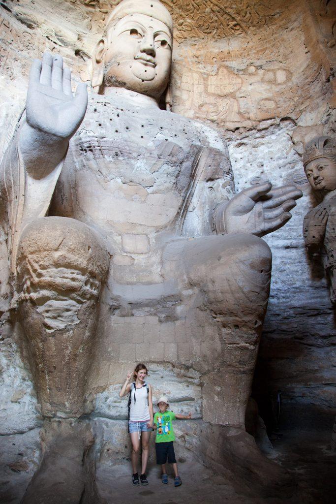 Yungang Grotten in Datong Weltreise mit Kind Asien China. Buddha Caves Familienreiseblog Urlaub