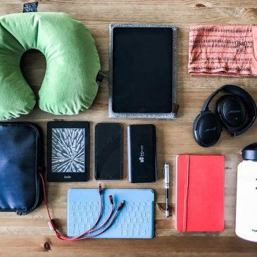 Flugreise geplant? 20 Dinge, die auf deinem Langstreckenflug nicht fehlen sollten.