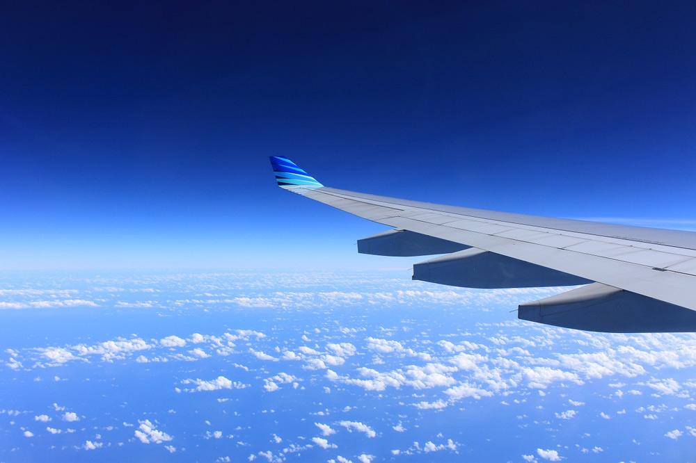 Fliegen mit Kindern Tipps, Airlinebestimmungen und Packliste