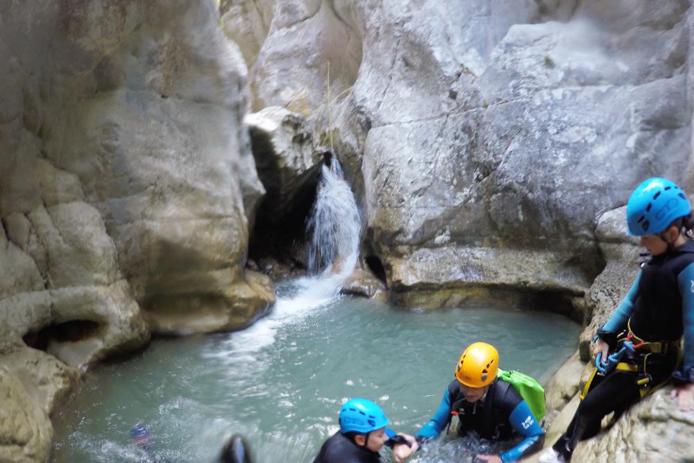 canyoning Verdon Schlucht mit Kindern. Familien Canyoning Tour George Verdon. Canyoning Südfrankreich. Canyoning mit Kindern gefährlich?