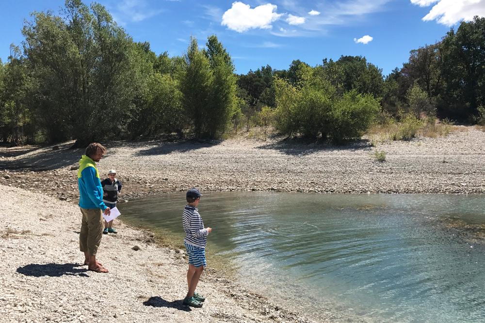 verdon schlucht tretbootfahren Elan Sportreisen Erfahrung Familiencamping Südfrankreich Provence Verdon Schlucht am Lac de Sainte Croix Moussiert Urlaub Campingplatz mit Kind in Frankreich