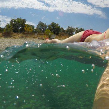 """Wie du """"halb über halb Unterwasserbilder"""" mit deiner GoPro erstellen kannst."""