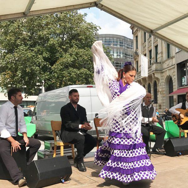 Gründe warum Urlaub in Andalusien machen. Essen, Sehenswürdigkeiten, Flamenco in Andalusien. Andalusien ist zu Gast in Düsseldorf . TournaturGründe warum Urlaub in Andalusien machen. Essen, Sehenswürdigkeiten, Flamenco in Andalusien. Andalusien ist zu Gast in Düsseldorf . Tournatur