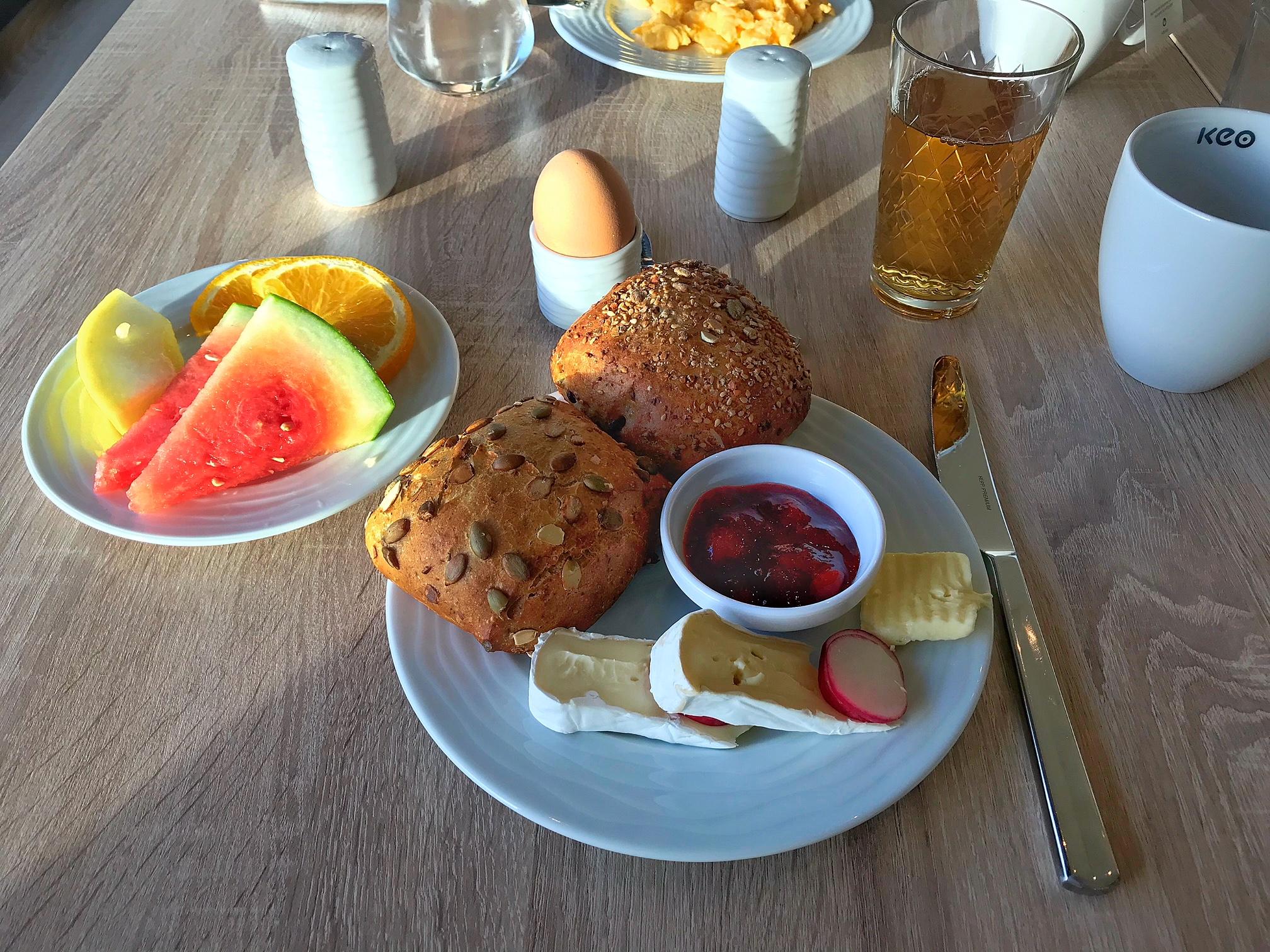 Frühstück im Hotel in Pelzerhaken