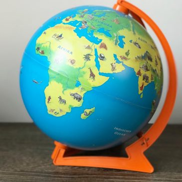 BEENDET: Adventstürchen 2 – interaktiver Tip Toi Junior Globus und Stift von Ravensburger