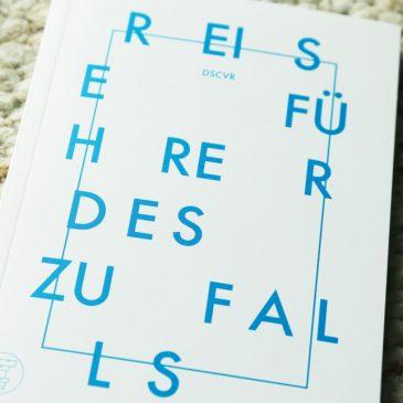 """BEENDET: Adventstürchen 21 – """"Reiseführer des Zufalls"""" gewinnen"""