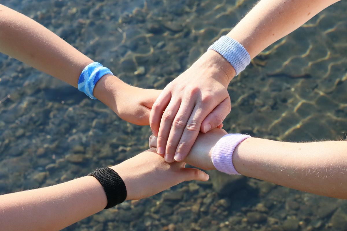 Reiseübelkeit bei Kindern vorbeugen SEA-BAND Erfahrungsbericht - Übelkeit in der Schwangerschaft vorbeugen durch Akupressur