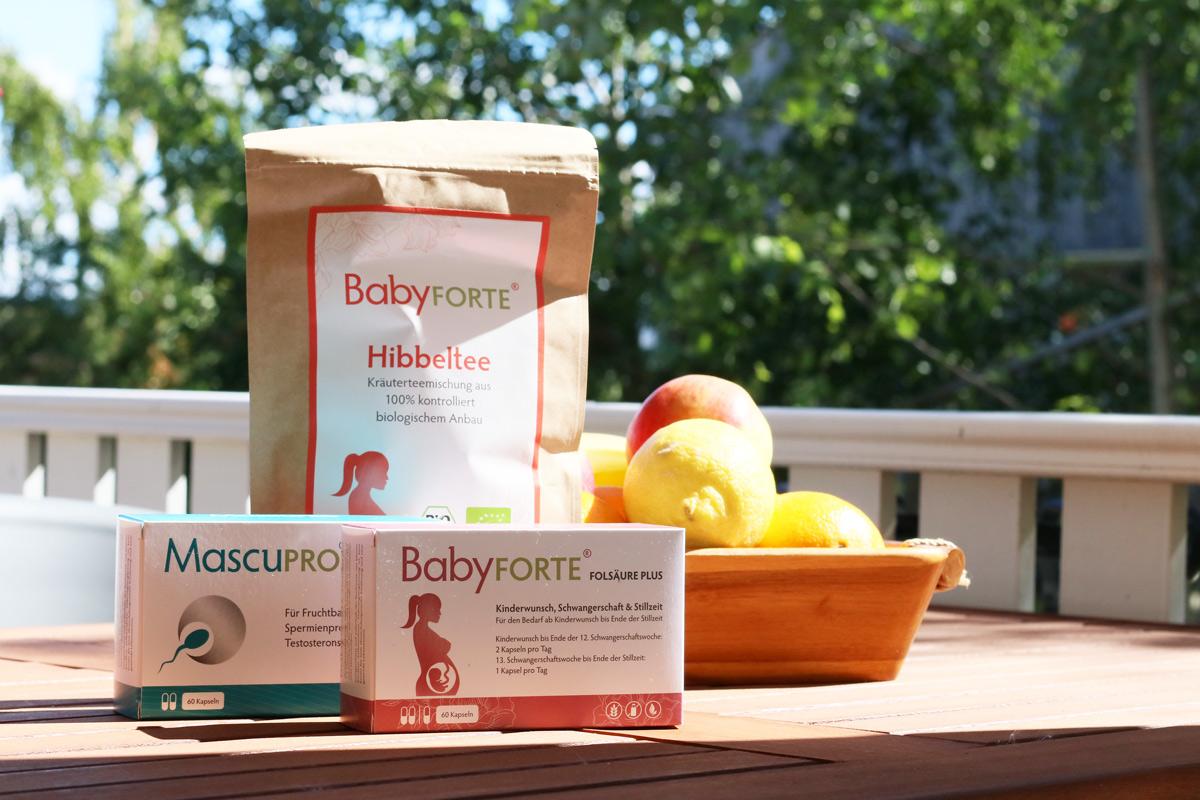 Gut versorgt in der Schwangerschaft und Stillzeit dank BabyFORTE Nahrungsergänzungsmittel