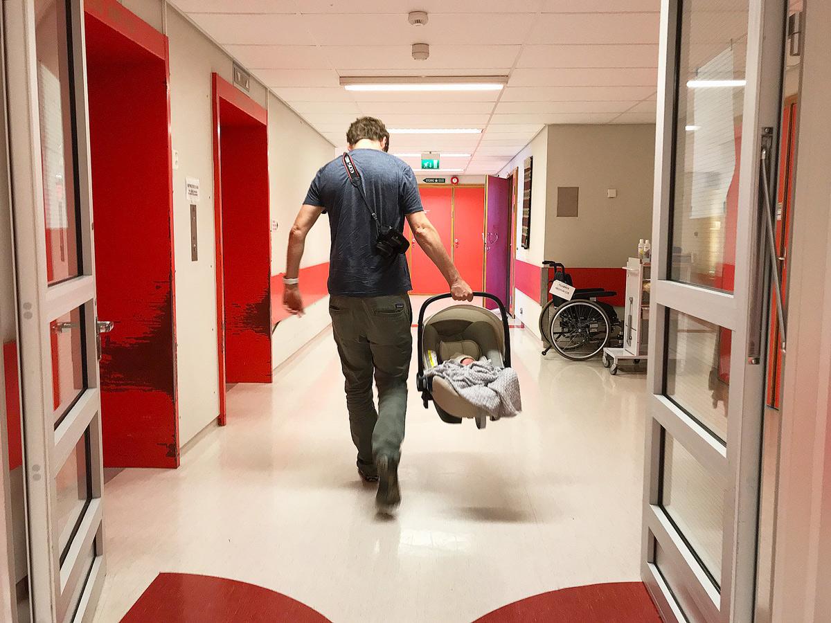 Darauf solltest du beim Kauf einer Babyschale achten. Britax Römer Baby-Safe2 i-Size