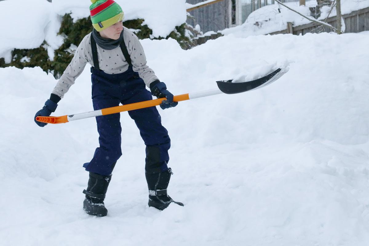Tipps und Packliste Skiurlaub mit Kindern. Die richtige Bekleidung finden und was auf deiner Reise nicht fehlen sollte.