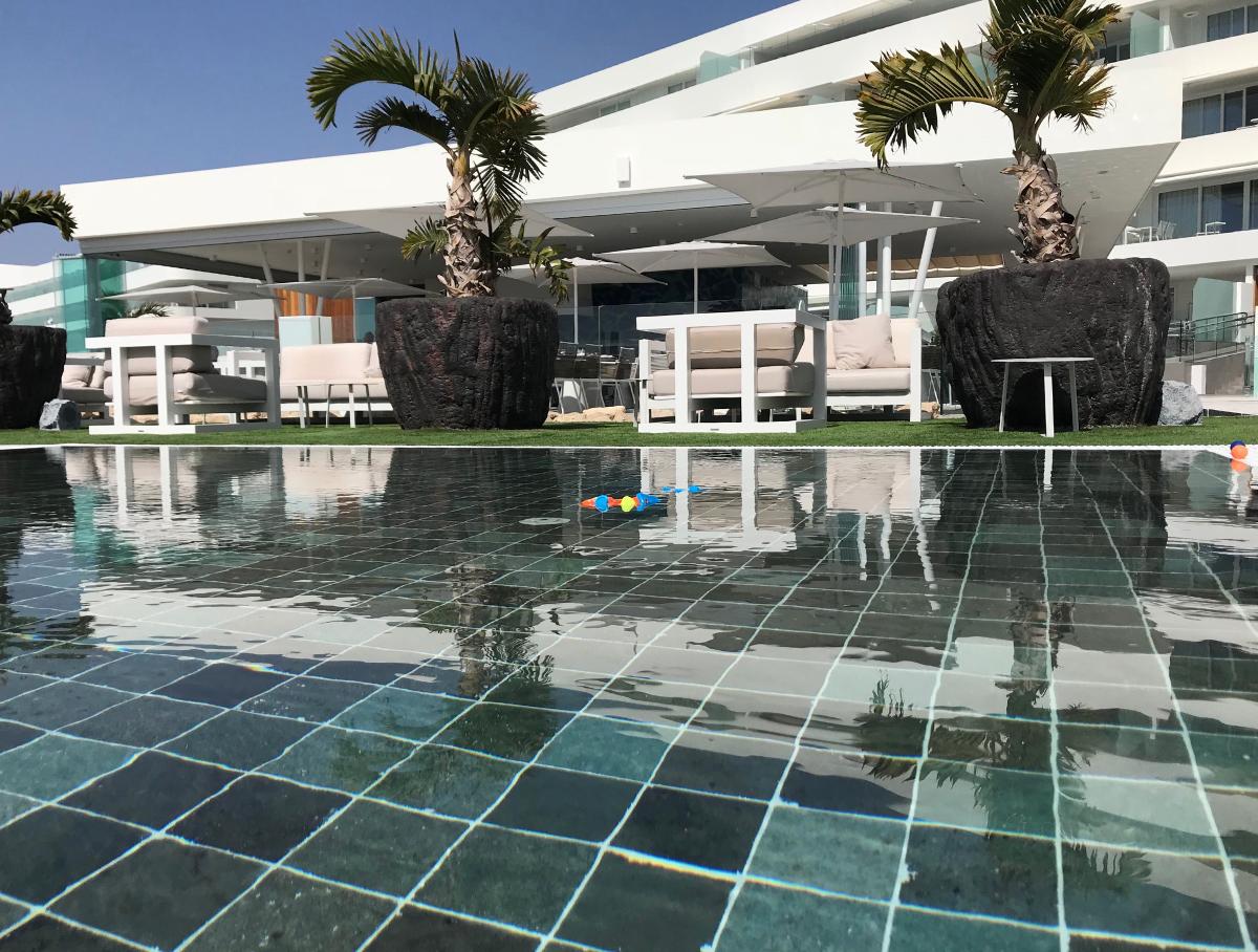 Royal Hideaway Corales Suites resort auf Teneriffa, familienfreundliche Apartments, familienfreundliches Hotel Luxus 5 Sterne Hotel Teneriffa Costa Adeje
