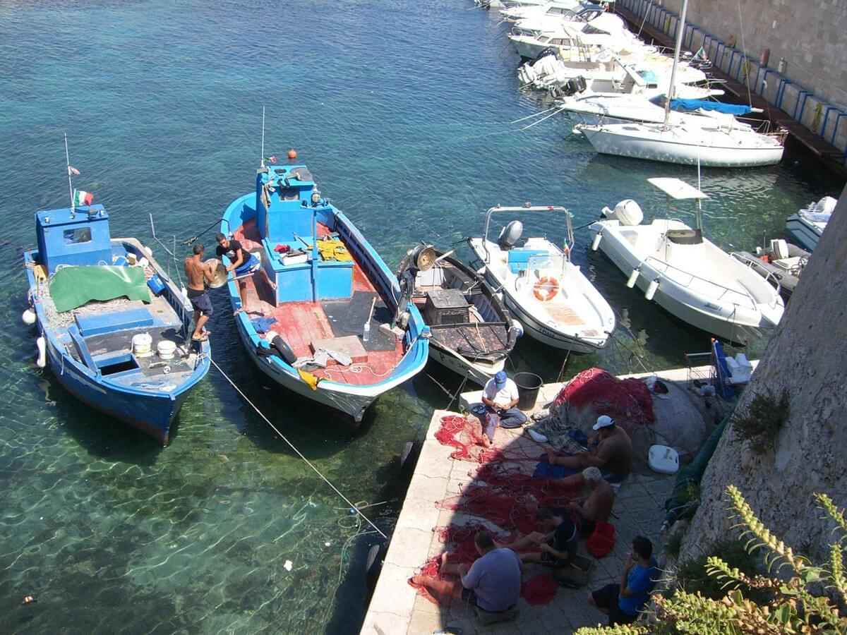 Urlaub in Italien mit Kind - die besten Tipps von Reisebloggern. Ilatien Urlaub mit Kindern Reiseblog. Reisen mit Kindern. Wohin mit Kindern reisen im Sommer.