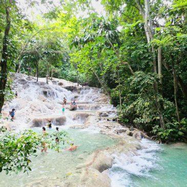 Die traumhaften Wasserfälle in Jamaika