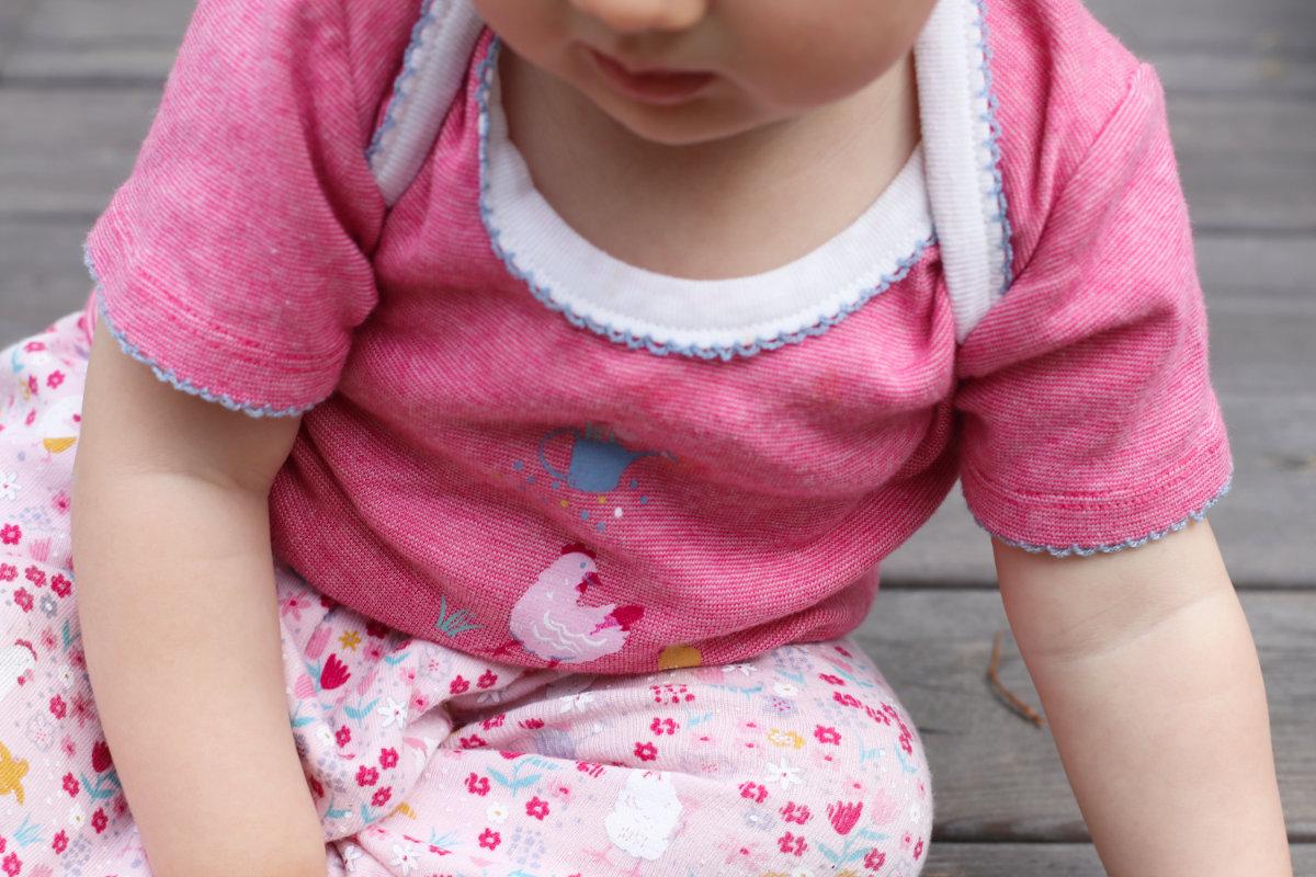 People Wear Organic Bio Baumwolle Kleidung für Babys, Kinder und Damen. Fair Fashion im Kleiderschrank, nachhaltige Kleidung kaufen, Tipps nachhaltig leben. Babybody Bio-Baumwolle