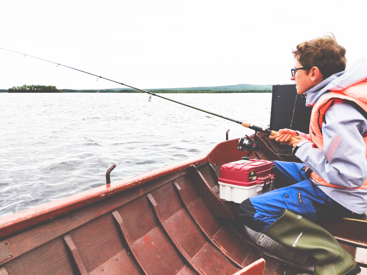 Finnisch-Lappland - Die besten Aktivitäten in Rovaniemi im Sommer. Angeln in Rovaniemi