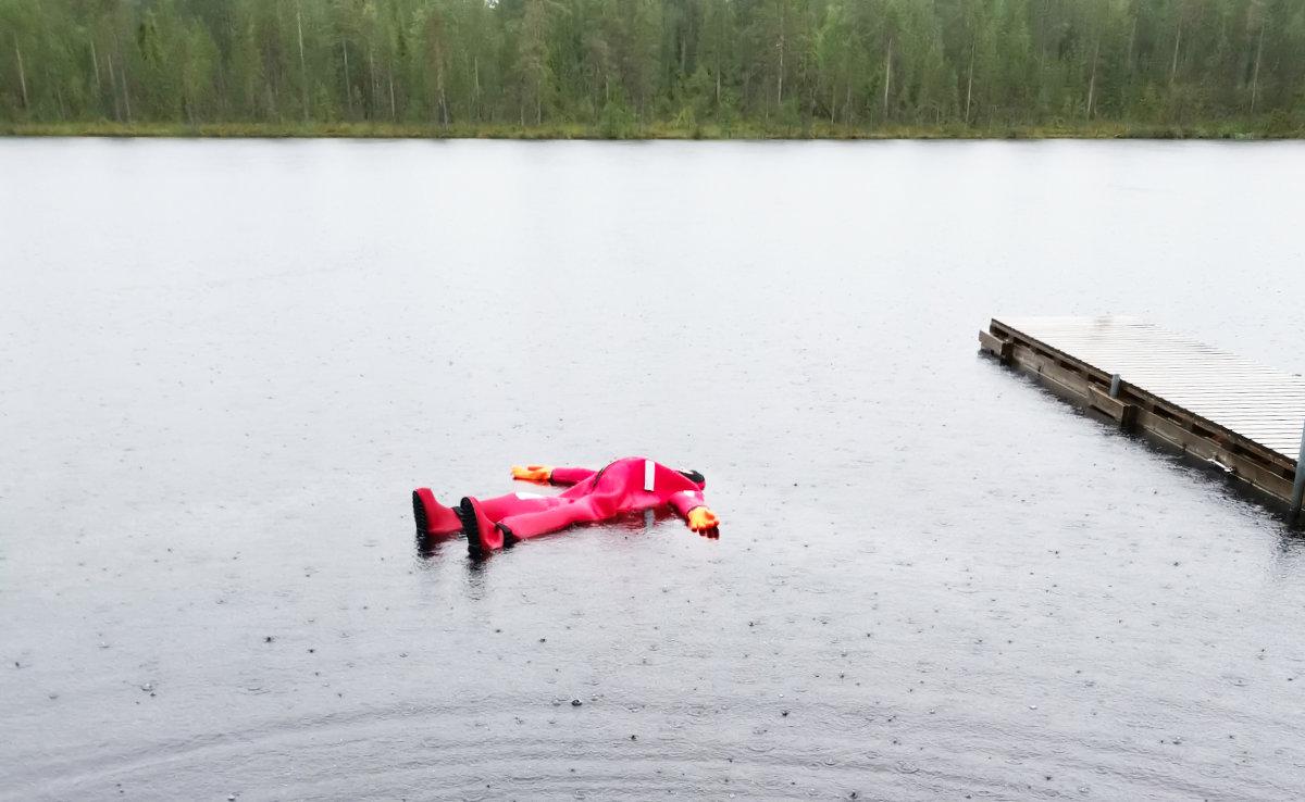 Finnisch-Lappland - Die besten Aktivitäten in Rovaniemi im Sommer. Floating experience in Rovaniemi