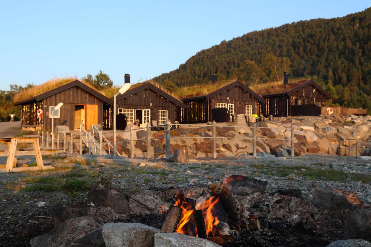 Urlaub im Ferienhaus in Norwegen direkt am Fjord, Haus mit Boot, Angelurlaub mit Kindern in Norwegen am Fjord, Ferienhaus am Meer in Norwegen