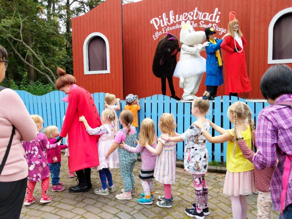 Urlaub in Finnland mit Kindern. Finnland Reiseziele im Sommer. Mumien Welt Naantali