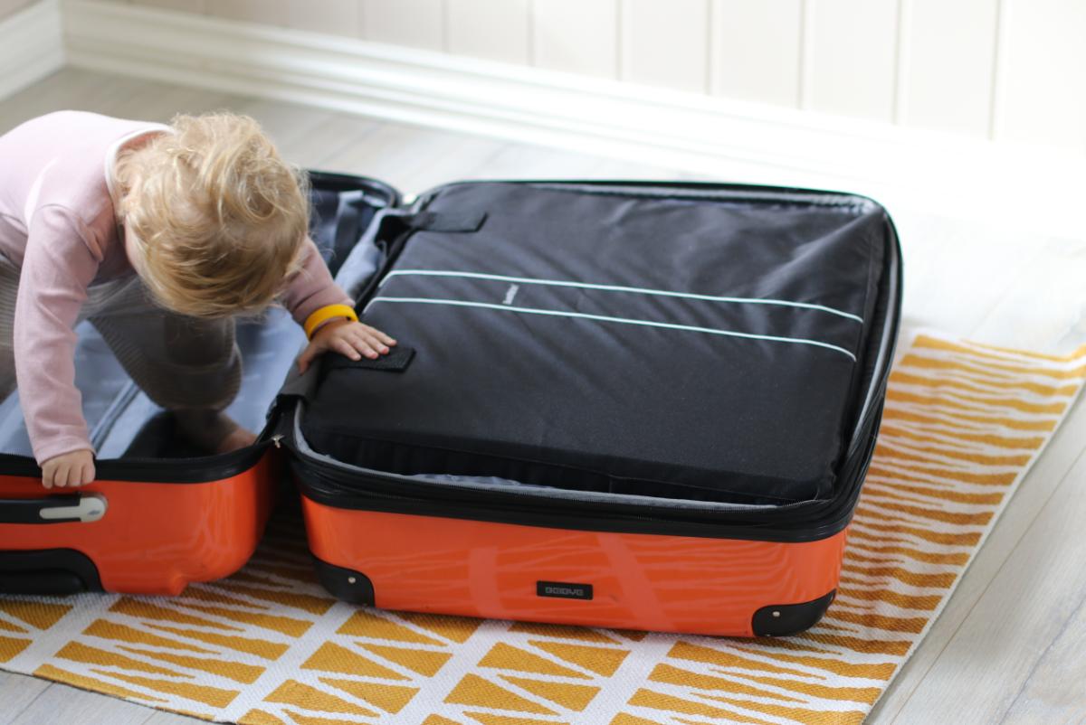 Reisebett von BabyBjörn passt auch in den Koffer