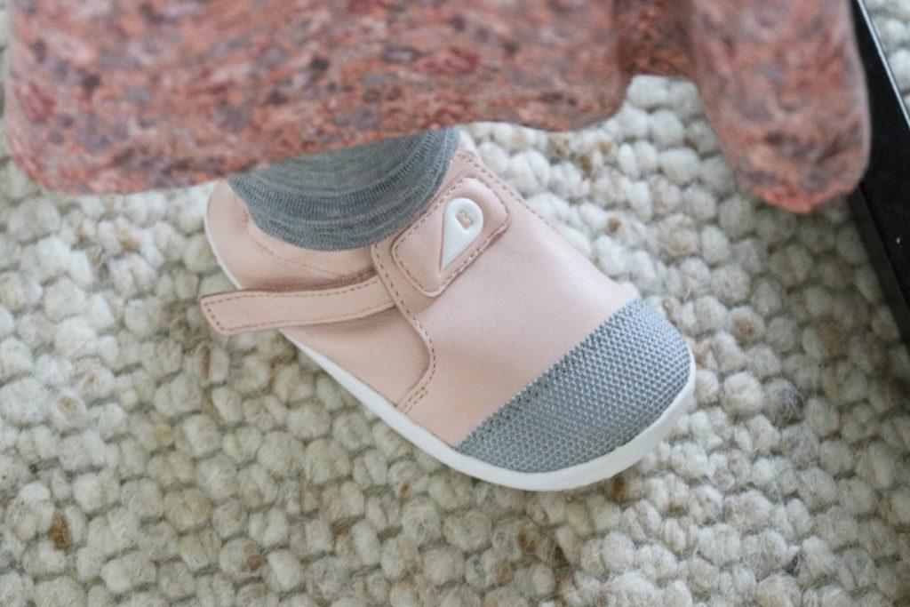 Lauflernschuhe fürs Baby von Bobux - Nur barfuß ist besser - Darauf solltest du beim Kauf achten - Barfußschuhe Kinder