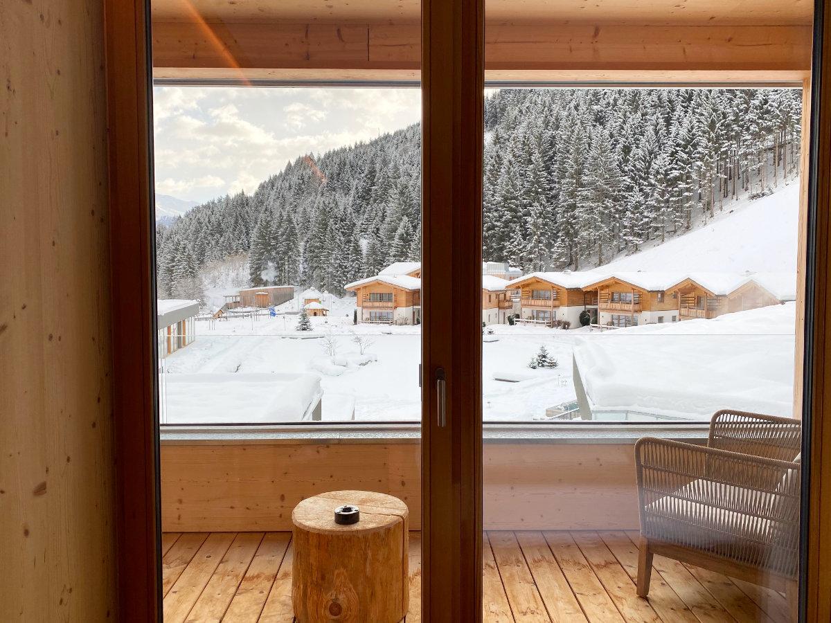 Zimmer im Feuerstein Nature Family Resort - Familienhotel Südtirol Familienzimmer Winterurlaub mit Baby