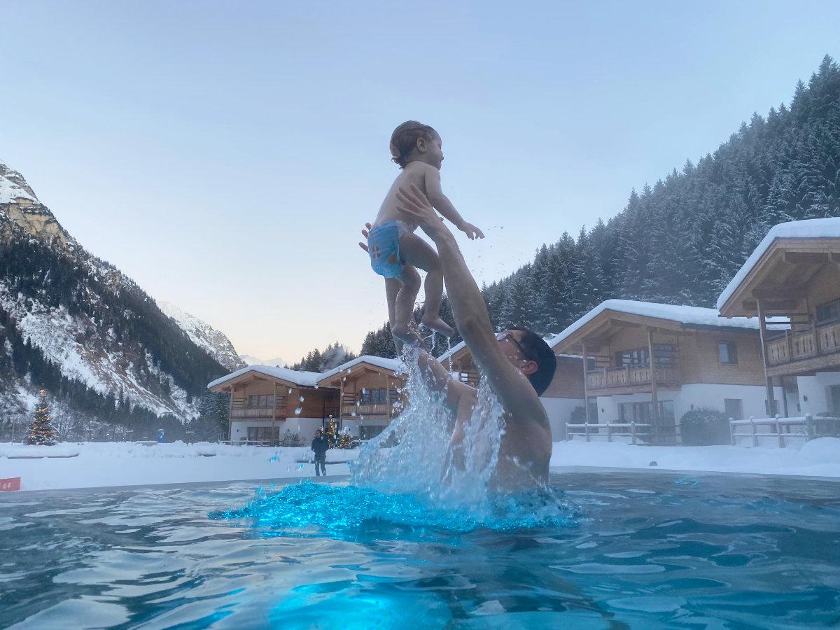 Spa im Feuerstein Nature Family Resort - Familienhotel Südtirol Familienzimmer Winterurlaub mit Baby