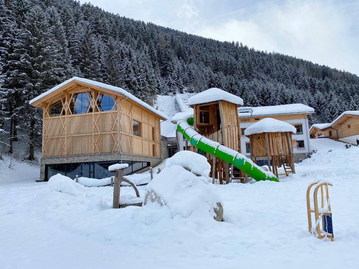 Feuerstein Nature Family Resort - Familienhotel Südtirol Familienzimmer Winterurlaub mit Baby - Schneesicher