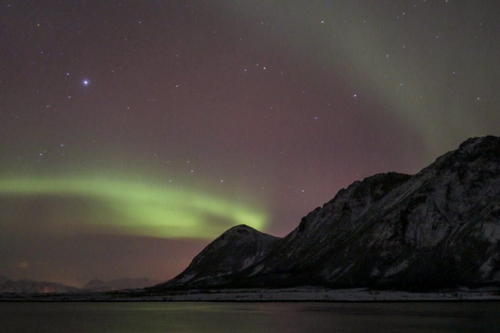 Nordlichter, Polarlichter, Aurora Borealis auf den Lofoten im Winter