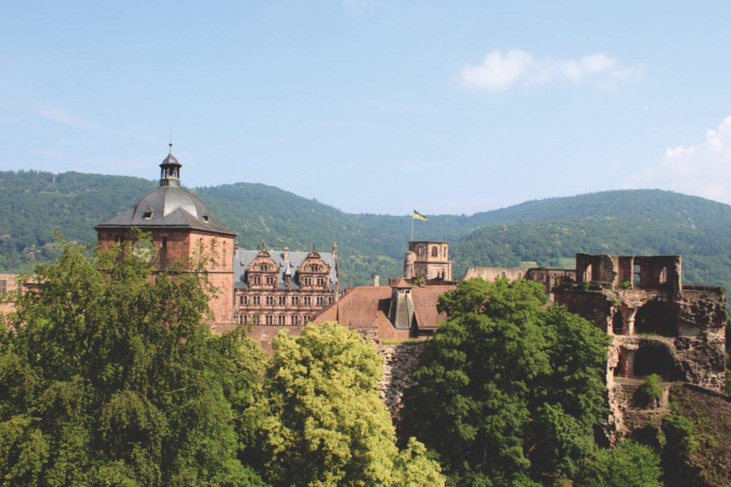 Auch das Schloss kannst du in Heidelberg mit Kindern besuchen.
